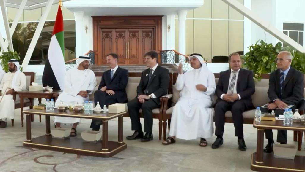 كيف تهدد إستراتيجية أبوظبي آمال التغيير في العالم العربي؟