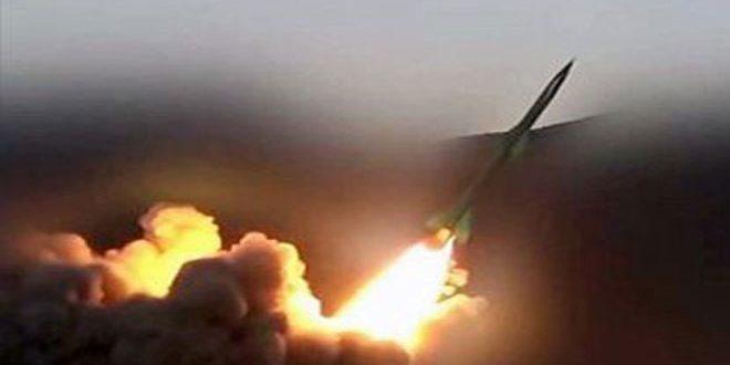 الحوثيون يعلنون استهداف مدينة عسكرية.. والرياض تعلن اعتراض صاروخ