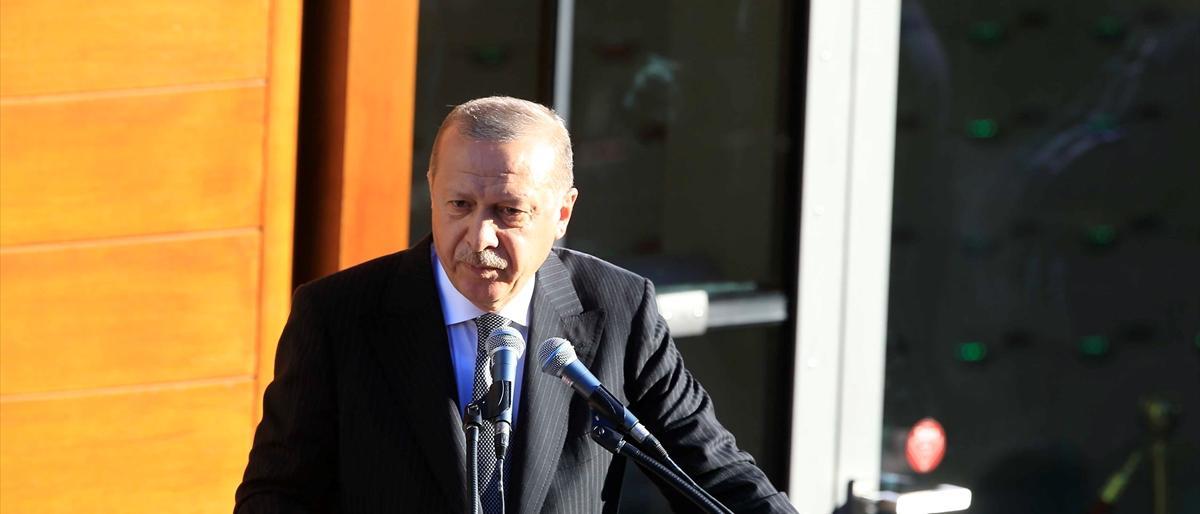 أردوغان: مسلمو الغرب بين مطرقة الإرهابيين وسندان العنصريين