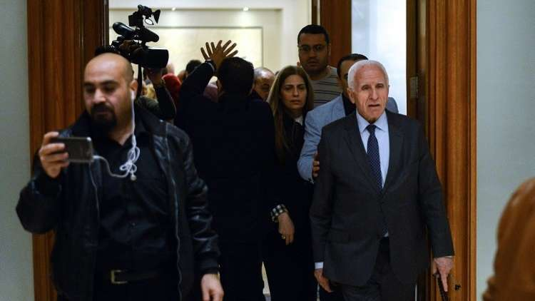 وفد من منظمة التحرير الفلسطينية يترأسه عزام الأحمد يتوجه لدمشق