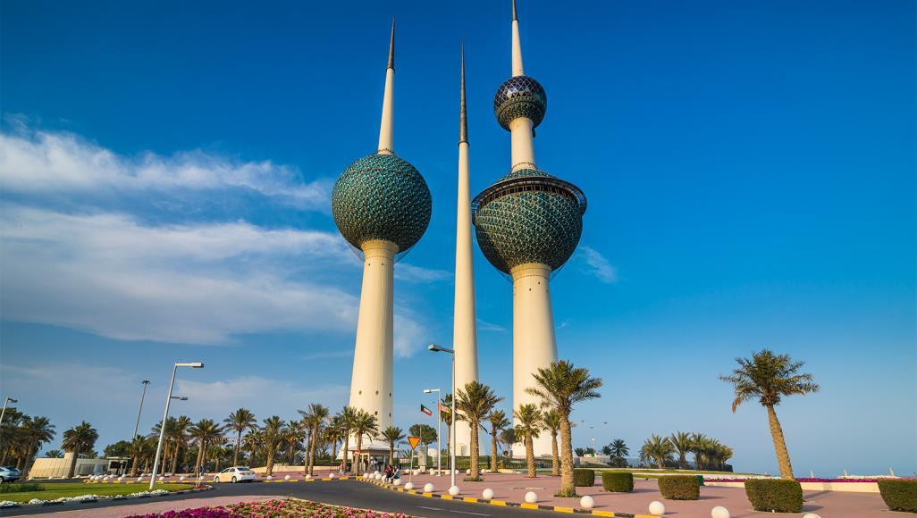 صحيفة: مجهول يهدد بتفجير نفسه أمام القنصلية المصرية في الكويت