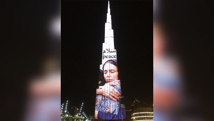 محمد بن راشد: رئيسة وزراء نيوزيلندا كسبت احترام مليار ونصف المليار مسلم