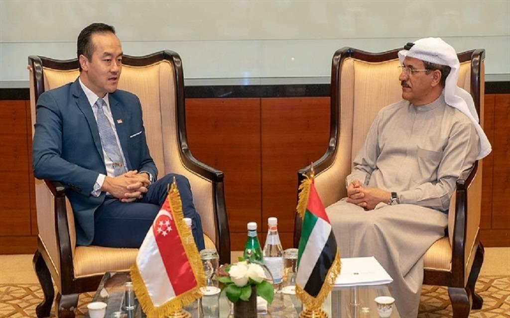 الاقتصاد تبحث فرص الاستثمار والشراكات مع سنغافورة والجزائر