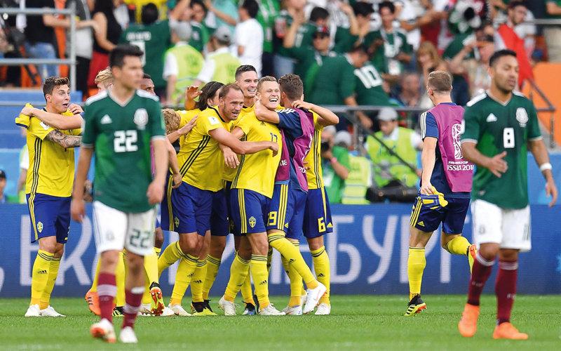 السويد إلى ثمن النهائي والمكسيك ترافقها من كأس العالم