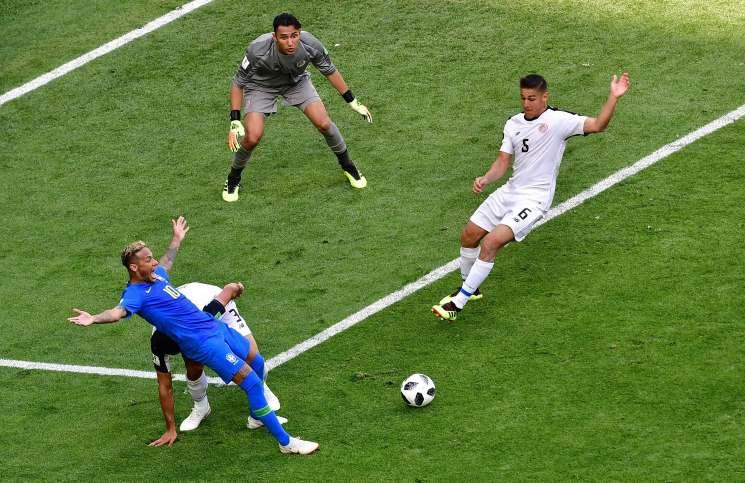 البرازيل تهزم كوستاريكا بثنائية متأخرة في المونديال