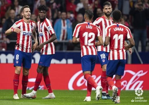 أتليتيكو مدريد يعود للانتصارات ويتقاسم الصدارة مع برشلونة