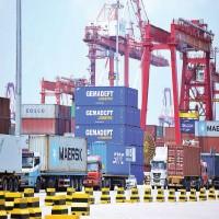 «موانئ دبي» تستثمر في 7 محطات للحاويات بالصين