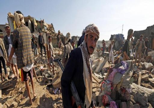 كاتب خليجي يزعم توريط أبوظبي للرياض في حرب اليمن