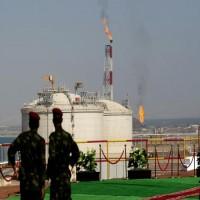 باحث يمني يتهم الإمارات بإعاقة بلاده من تصدير النفط والغاز المسال
