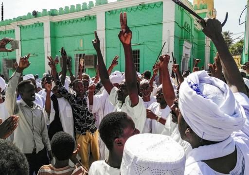 قوات الأمن السودانية تعتقل زعماء أحزاب بارزين