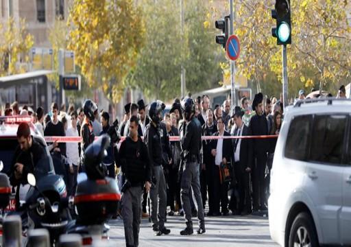 إصابة 4 مستوطنين إسرائيليين بينهم شرطي إثر حادثي طعن