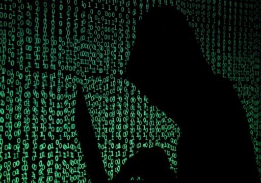 """تفاخر بها """"قرقاش"""" و""""خلفان"""".. القدرة الإلكترونية تفشل في الحماية وتنجح في التجسس والاختراق!"""