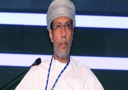 أكاديمي عماني يكشف سبب توتر العلاقات بين أبوظبي ومسقط