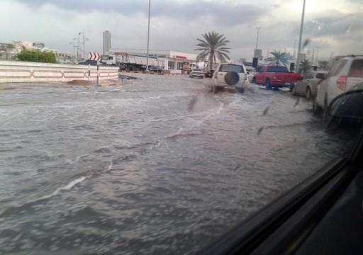 1880 حادثاً مرورياً خلال فترة هطول الأمطار في دبي