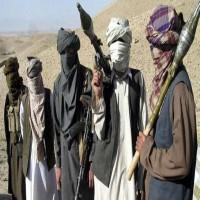 «طالبان» والموفد الأميركي ناقشا «تسوية سلمية» لأفغانستان
