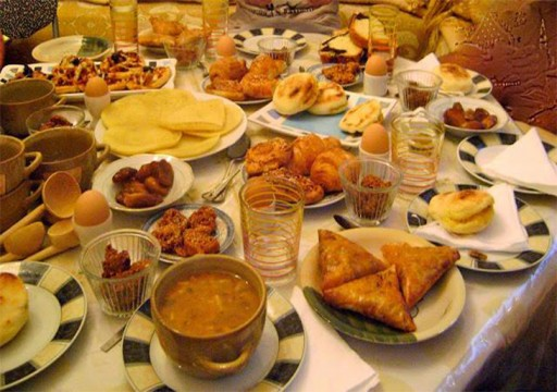 أطعمة ومشروبات يجب تجنبها على مائدة رمضان