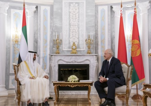 محمد بن زايد يبحث تعزيز العلاقات مع الرئيس البيلاروسي