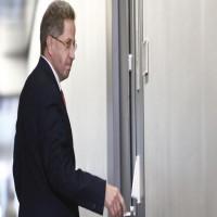 ميركل تقيل رئيس جهاز الاستخبارات الداخلية