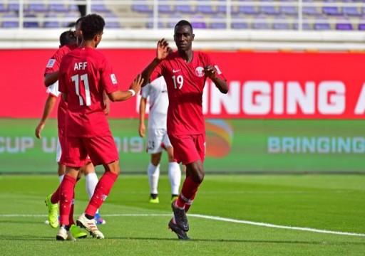 اتهامات لأبوظبي بحرمان نجم منتخب قطر من كرة السوبر هاتريك