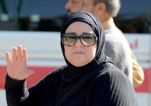 وفاة الفنانة المصرية دلال عبد العزيز إثر مضاعفات كورونا