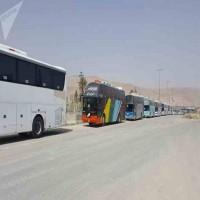 آلاف المدنيين والمقاتلين يغادرون الغوطة على وقع القصف