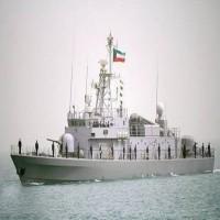 غرق قارب للقوات البحرية الكويتية وانتشال طاقمه