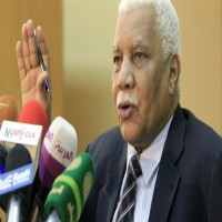 """ما حقيقة """"الضغوط السعودية الإماراتية"""" لدعم الاقتصاد السوداني؟"""