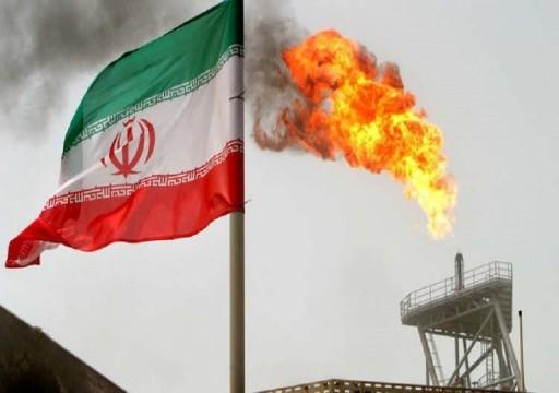 بلومبرغ: الإمارات والسعودية ستعوضان النفط الإيراني في الأسواق