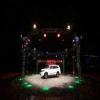 الكشف عن أول سيارة محلية الصنع في أبوظبي