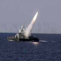 مسؤول أمريكي: إيران تختبر صاروخا مضادا للسفن في مضيق هرمز