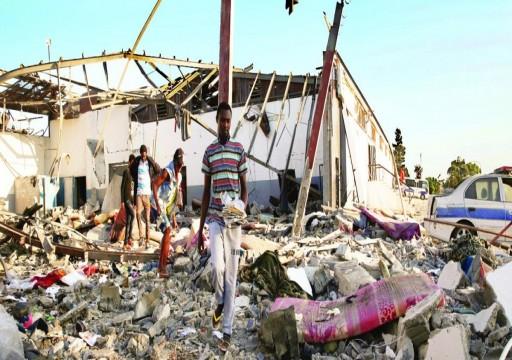 الغارديان: حلفاء حفتر يتحملون مسؤولية المجازر التي ارتكبها
