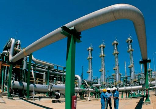 النفط يرتفع بدعم آمال انحسار التوتر التجاري بين أمريكا والصين