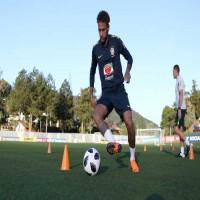 نيمار يشارك في تدريبات البرازيل بشكل طبيعي بعد تعافيه من الإصابة