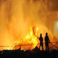 أبوظبي.. السيطرة على حادثي حريق في السمحة والشهامة