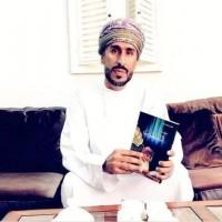 """غضب في عُمان بعد منع معرض أبوظبي كتاباً عن """"خطابات السلطان قابوس″!"""