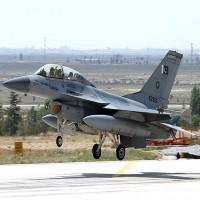 القوات الجوية الباكستانية تعلن تحطم طائرة حربية ومقتل طاقمها