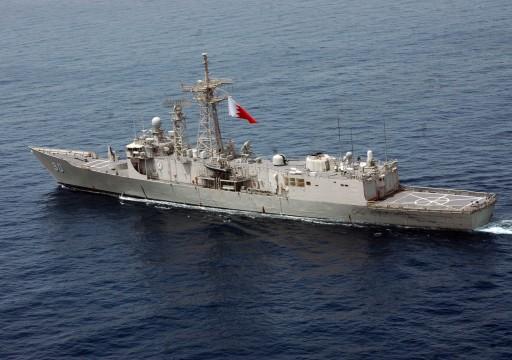 البحرين توقف 3 قوارب مجهولة دخلت منطقة الحظر البحري