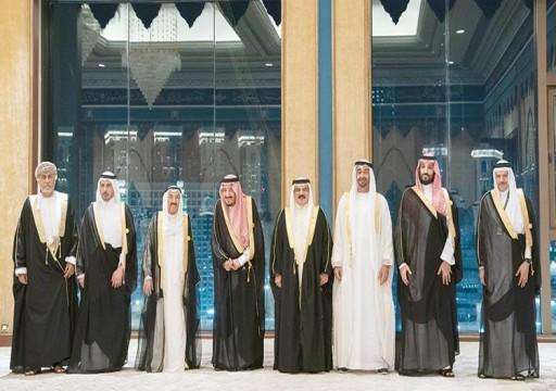 علماء المسلمين يطالب قمة شارك فيها محمد بن زايد بإطلاق سراح مثقفي الإمارات