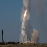روسيا تبدأ تسليم صواريخ أس 300 لسوريا