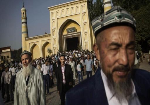 الإندبندنت: الصين تقود حملة قمع لمسلمي الإيغور لإجبارهم على ترك الدين
