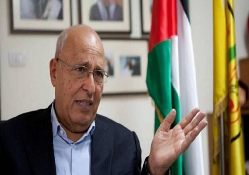 مسؤول فلسطيني مقرب من عباس ينتقد تطبيع أبوظبي مع إسرائيل