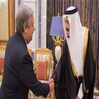 العاهل السعودي يبحث مع الأمين العام للأمم المتحدة الأوضاع في اليمن