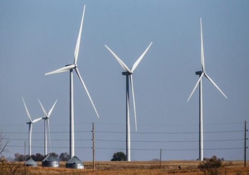أبوظبي للطاقة تفوز بأول مشروع استثماري لطاقة الرياح بالسعودية