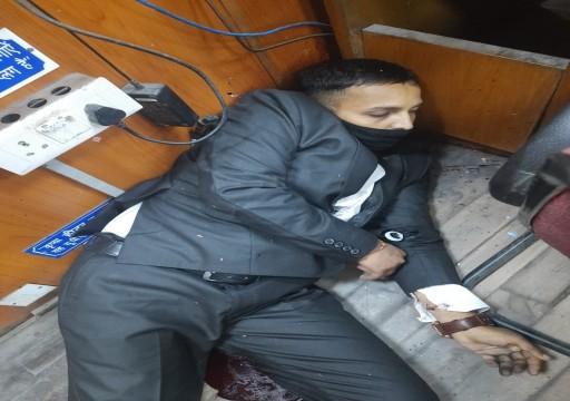 بينهم مجرم خطير.. ثلاثة قتلى في هجوم مسلح على محكمة هندية