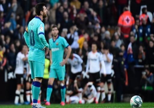 بلنسية يلحق بالمدرب سيتين أول هزيمة مع برشلونة
