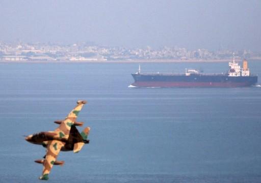 ردا على التهديدات الأميركية.. إيران تتعهد بحماية ناقلاتها النفطية