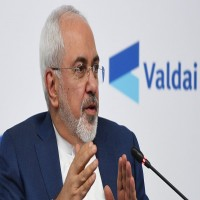 ظريف يقول إن طهران تريد ترميم العلاقات مع الإمارات