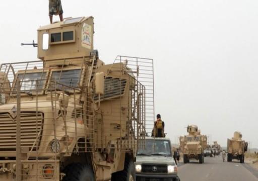 مسلحون قبليون يحتجزون رتلا عسكريا تدعمه أبوظبي جنوبي اليمن