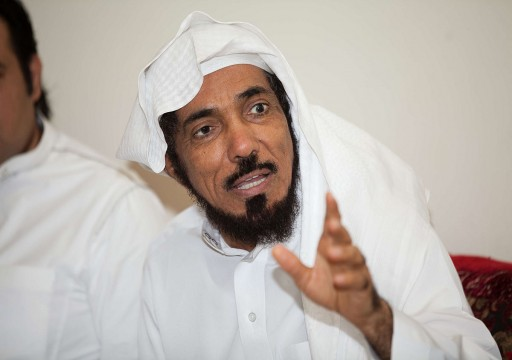 نجل سلمان العودة: والدي يتعرض لمعاملة سيئة جداً في سجنه