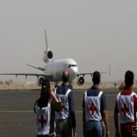 الصليب الأحمر يسحب 71 من موظفيه الأجانب في اليمن لانعدام الأمن